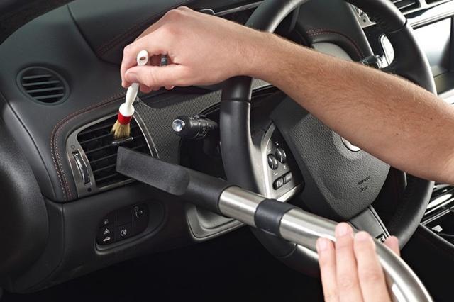 auto-interior-cleaning1
